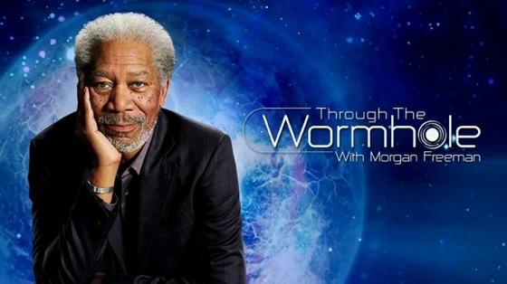 Através do buraco de minhoca (documentário): Ciência e Deus