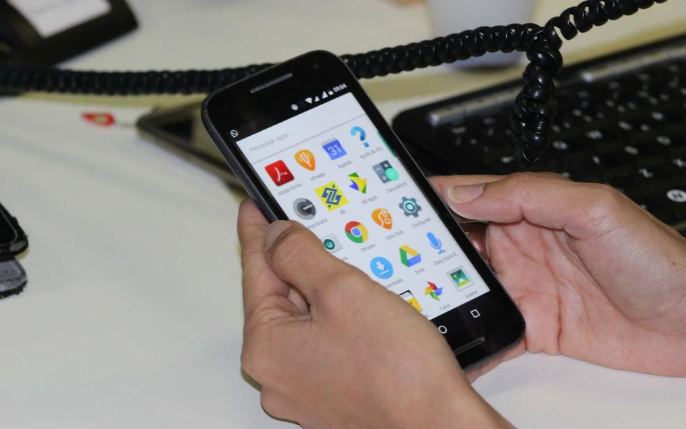 Celular se consolida como principal meio de acesso à internet no Brasil, aponta IBGE | Economia | G1