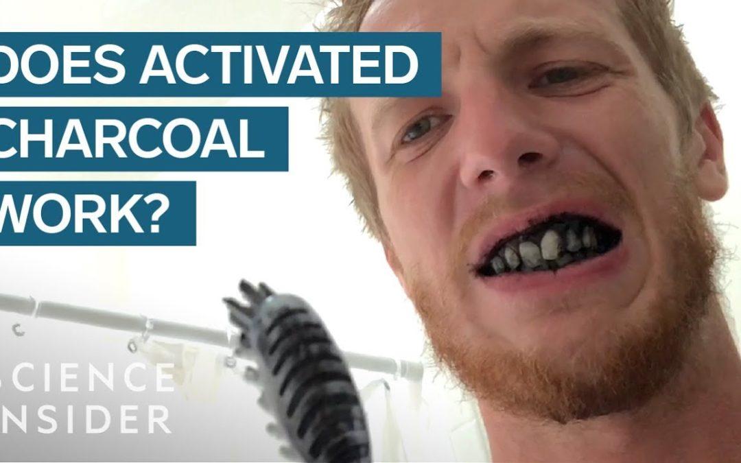 O que o carvão ativado realmente faz no seu corpo? (em inglês)