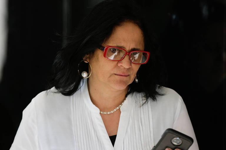 ONG de ministra é acusada de incitar ódio a indígenas e tirar criança de mãe – 15/12/2018 – Poder – Folha